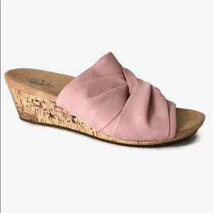 Life Stride | Mallory pink slide wedge sandals 10W